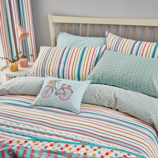 Helena Springfield – Trixie Bedding in Duck Egg