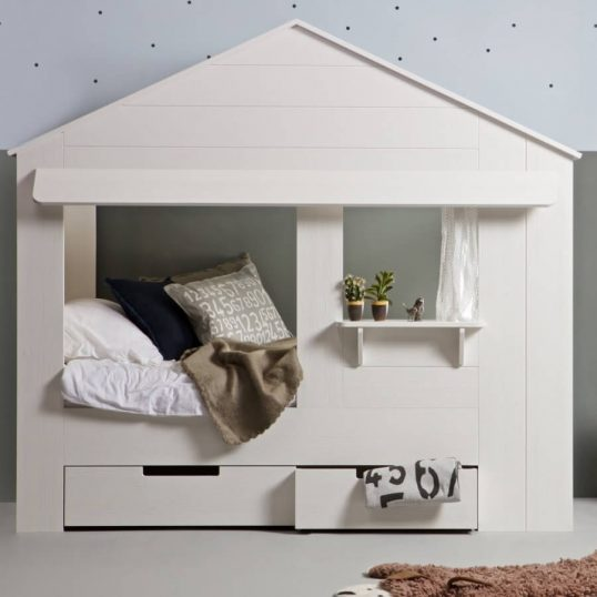 House-Cabin-Bed