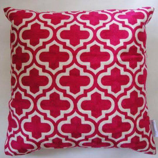 pink-moroccan-trellis-cushion