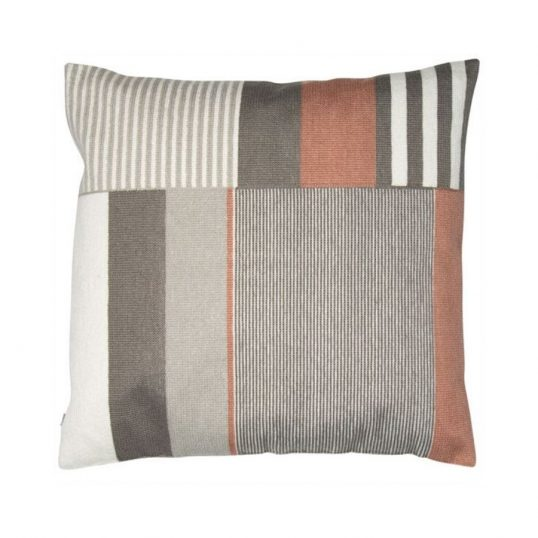 Lars Pink Cushion